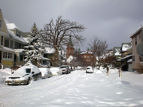 /wp-content/uploads/2012/05/snow_in_buffalo04_100512.jpg