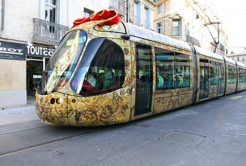 /wp-content/uploads/2012/10/4_tram_montpellier_agglomeration_the_sun_online_designed_by_christian_lacroix_in_the_presence_of_jean_pierre_moure_president_of_the_city_of_montpellier_151504.jpg
