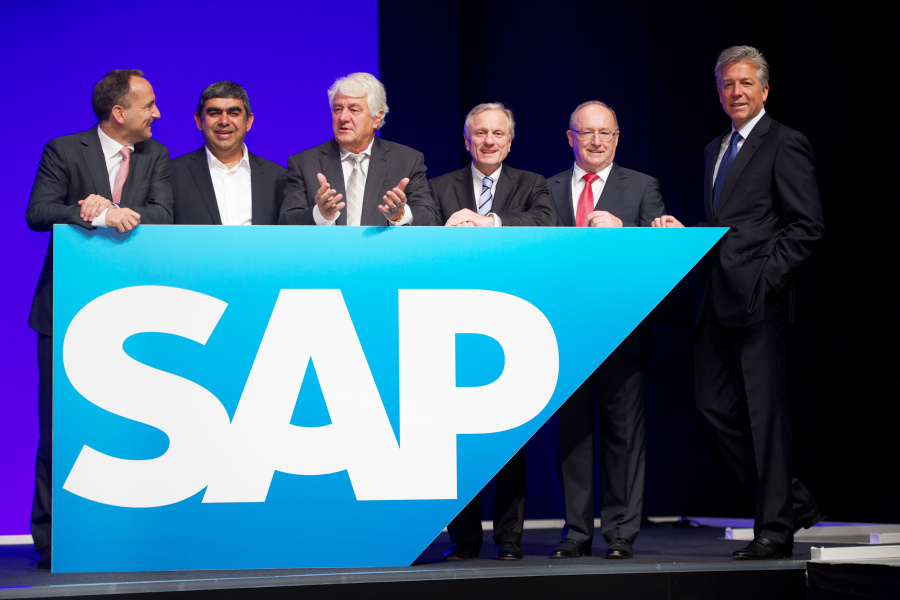SAP_Annual_General_Meeting_2013_006_t@900x600[1].jpg