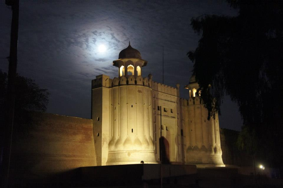 /wp-content/uploads/2013/09/famous_places_of_lahore_fort_280240.jpg