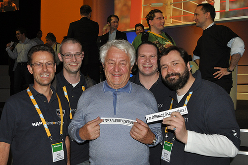 Hasso Plattner with SAP Mentors at DKOM.jpg