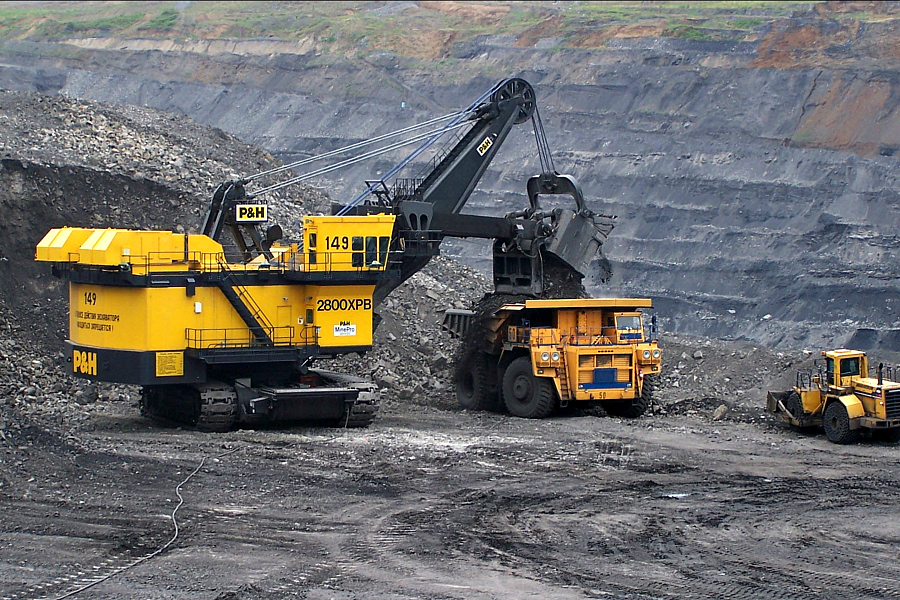 Joy Global Electric Mining Shovel and Truck (900x600px).jpg