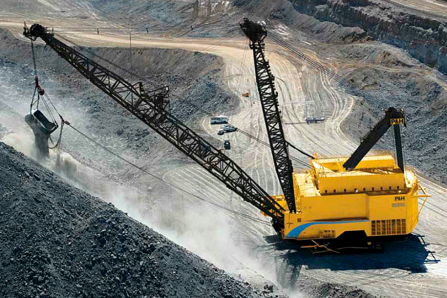 Joy Global Walking Dragline (900x600px).jpg