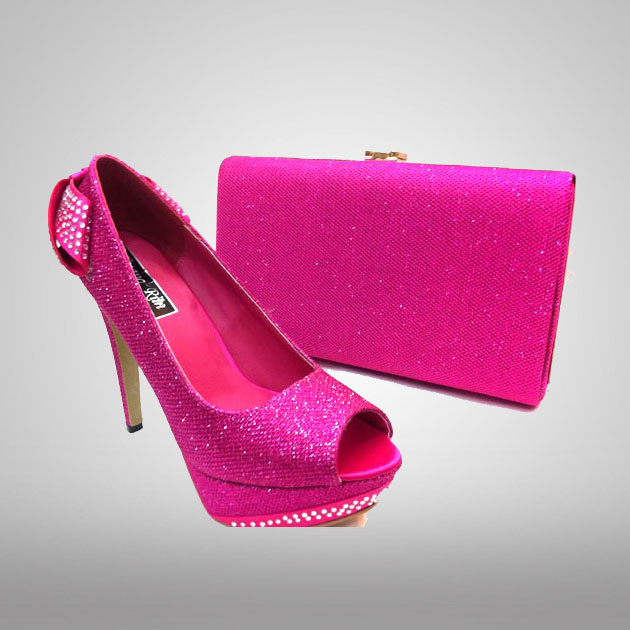 Pink_Shoes_with_handbag.jpg