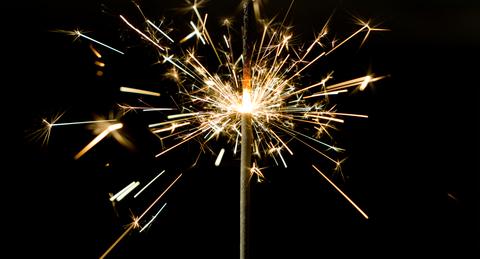 sparkler_sparks_light