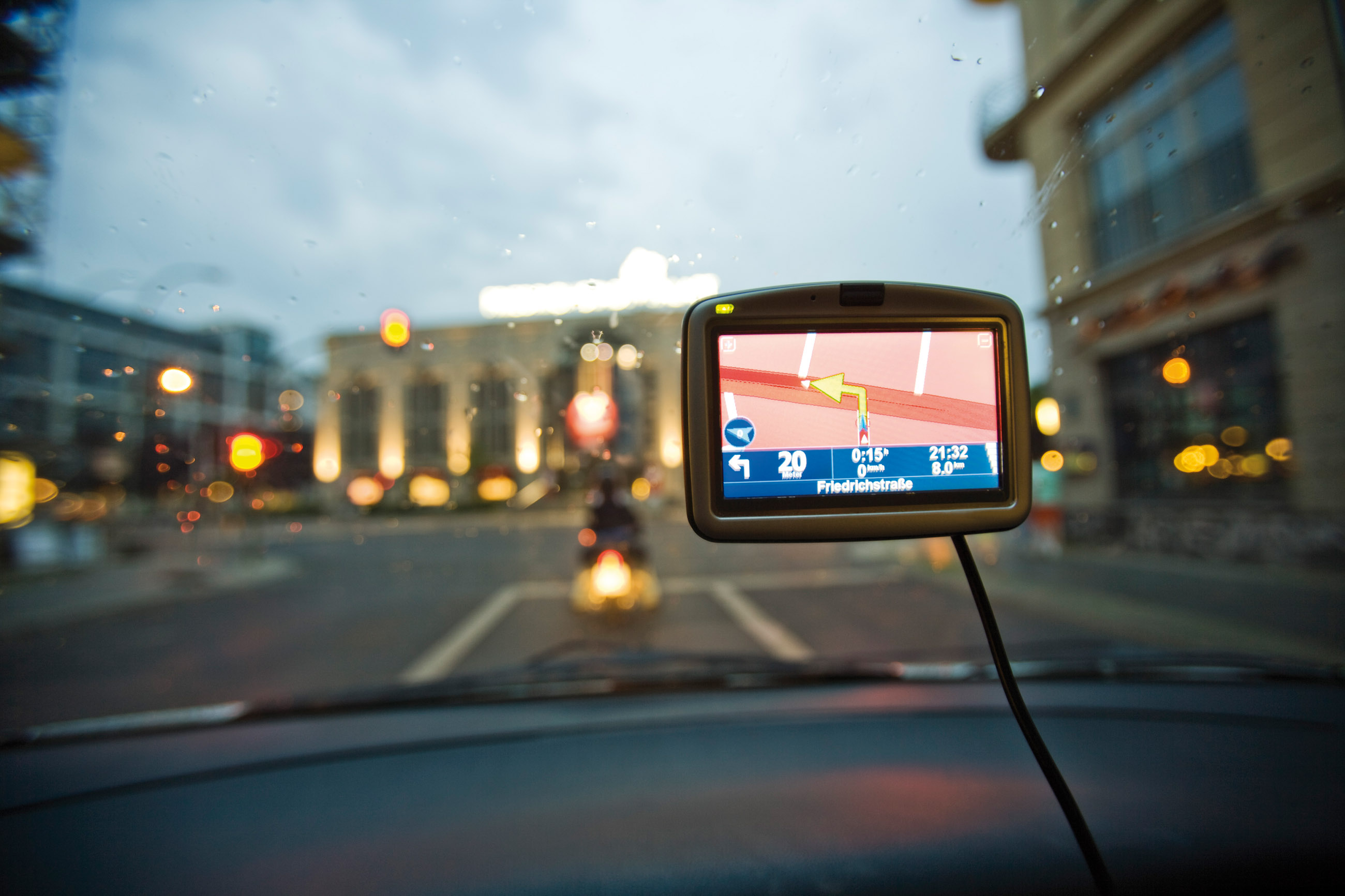 Navigating to a major landmark using a car GPS system