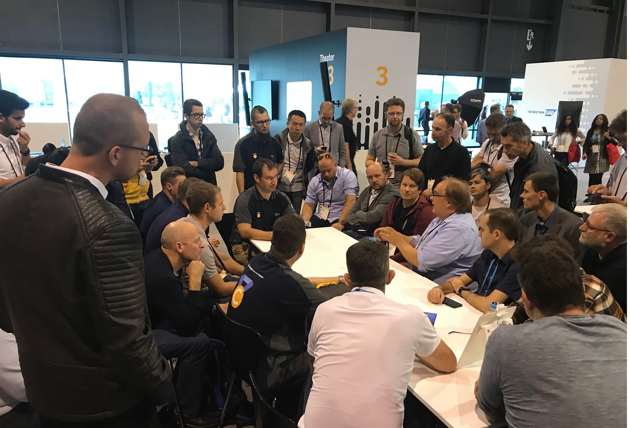 Andreas%20at%20the%20head%20of%20the%20table%20as%20one%20of%20the%20leads%20at%20an%20SAP%20TechEd%20unconference